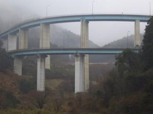 No.044 「ループ橋」