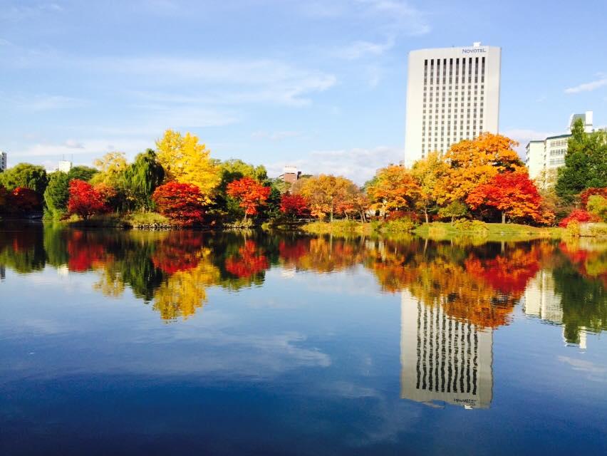 No.098「朝日に輝く中島公園」